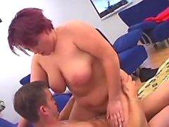 Plump housewife w big boobs screwed